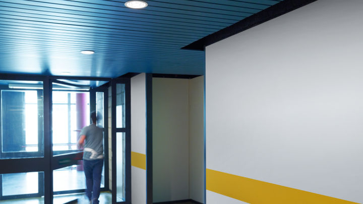 El pasillo de Strijp-S iluminado por Philips Lighting